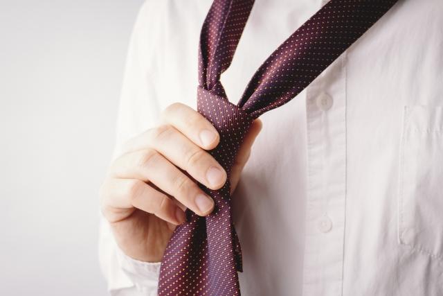 """男性が婚活パーティーに参加するときの服装は""""普通""""が一番?"""